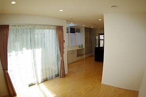 東京都大田区A邸。シンプルモダンの3階建て住宅