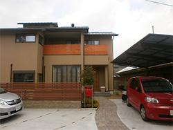 大阪府和泉市I邸。薪ストーブのあるナチュラルモダン住宅