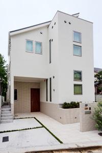 東京都新宿区K邸。木のぬくもり漂うシンプルモダン住宅