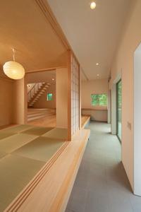 東京都稲城市K邸。無垢材フローリングに歴史を刻む
