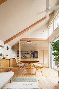 神奈川県横浜市G邸。自然素材に囲まれた住宅